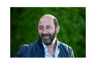 #figurants #Paris hommes et femmes pour long-métrage avec Kad Merad