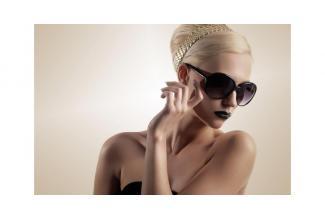 #casting #Modèle femme #blonde platine pour #mechage show #coiffure