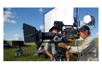 #figurants hommes et femmes pour tournage série Canal+ #Paris