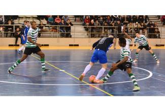 #figurants hommes et femmes pratiquant le #Futsal pour film avec Vincent Cassel #Paris