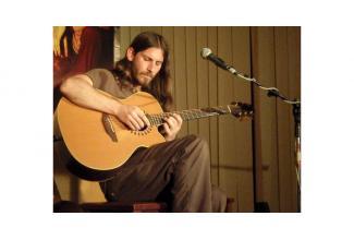#figuration #guitariste homme 30/35 ans pour long-métrage #Paris