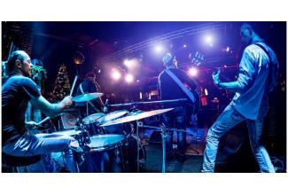 #figuration hommes 20/30 ans #musiciens batterie et basse pour clip #chanteur pop #Paris