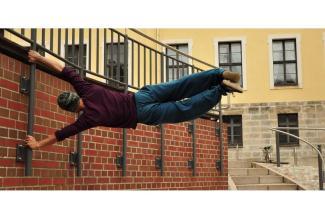 #figuration hommes/femmes 25/30 ans #danseurs, #parkour, acrobates pour publicité cosmétique #Paris