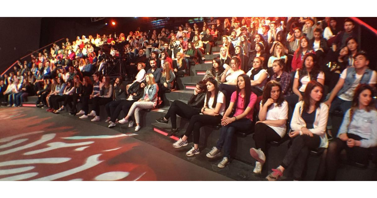 #figuration hommes et femmes 18/30 ans pour public émissions TV #Paris