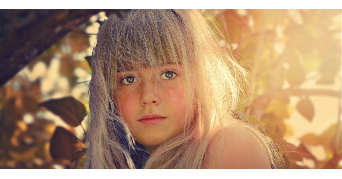 #figuration #enfant fille blonde 12 ans paraissant plus jeune pour série France2 #Paris