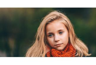 #figuration #enfant fille 3/5 ans blonde ou châtain aux yeux bleus pour série TV anglaise #Paris