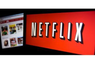 #figuration femmes et hommes 18/55 ans avec coupe de cheveux originale pour tournage série Netflix