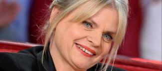 #figuration femme 30/35 ans blonde aux yeux clairs pour série TF1