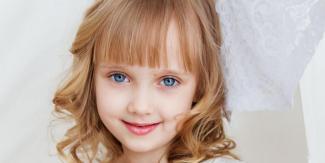 #SaintJeandeLuz #figuration #enfant fille 4 ans blonde aux yeux bleus pour tournage publicité