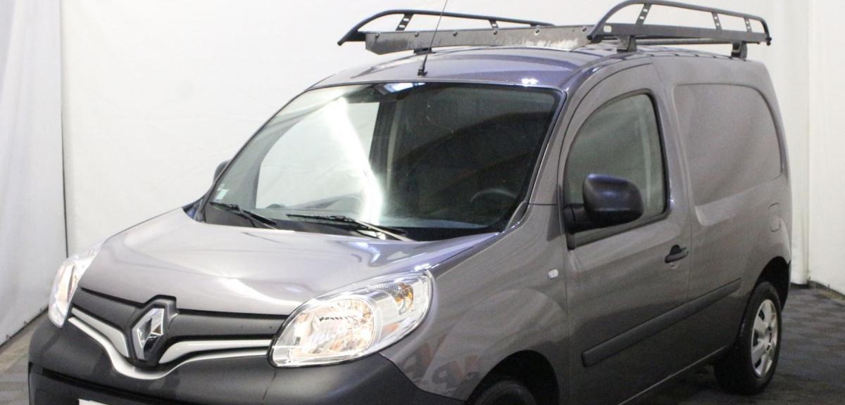 #Strasbourg #figuration véhicules utilitaire gris et BMW sportive noire pour tournage téléfilm