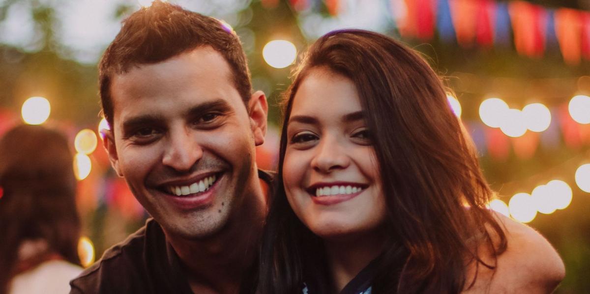 #figuration couples hommes et femmes 20/35 ans pour tournage publicité